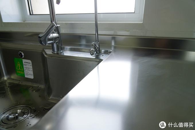 台面和水槽浑然一体