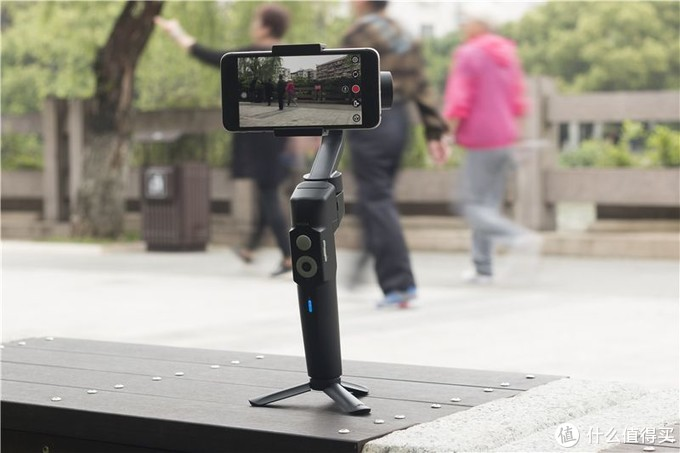 手再抖也不怕,有魔爪Mini-S手机稳定器,照样能拍出清晰有创意的大片