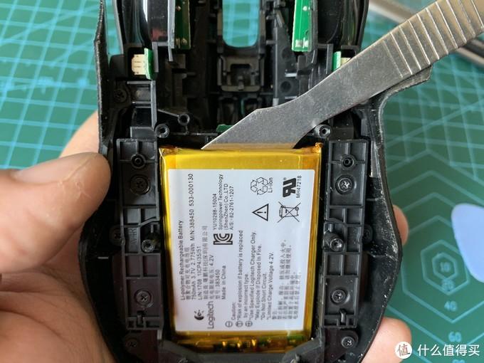拆电池的时候一定要小心...