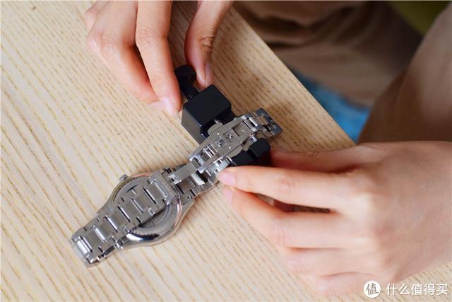 """进口机芯+蓝宝石表面,小米有品上新的这款机械表""""逼格""""有点高"""