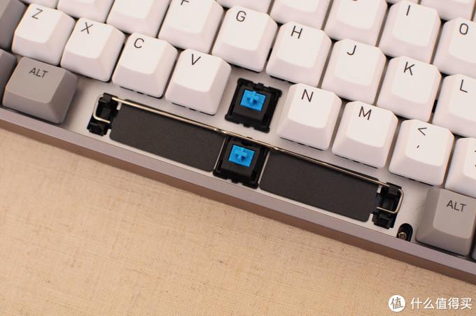 520来袭,如何将送命题变成送分题?用一把高颜值键盘将女王哄得开开心心