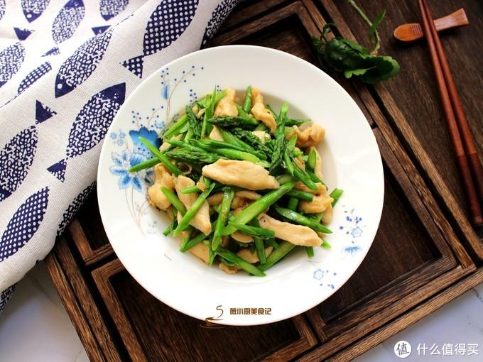 立夏时节,常做这道家常小炒,肉质嫩滑,口感清脆,多吃不长肉