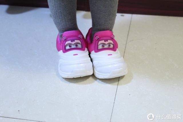 小寻超级飞侠机能鞋-带给孩子双脚最精心的呵护