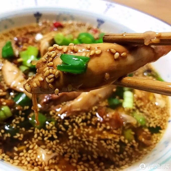 好吃到让你摇头晃脑的口水鸡,做起来并不难嘛!一篇讲透+红油做法全奉上!