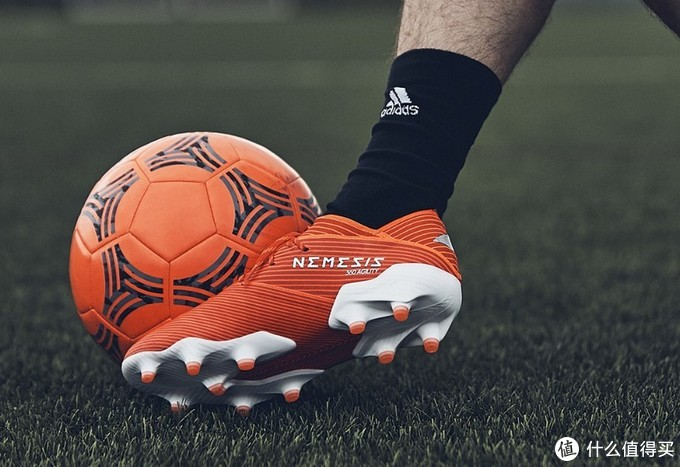 红色激情:adidas 阿迪达斯 推出 全新一代 Nemeziz 19.1/19+ 足球鞋