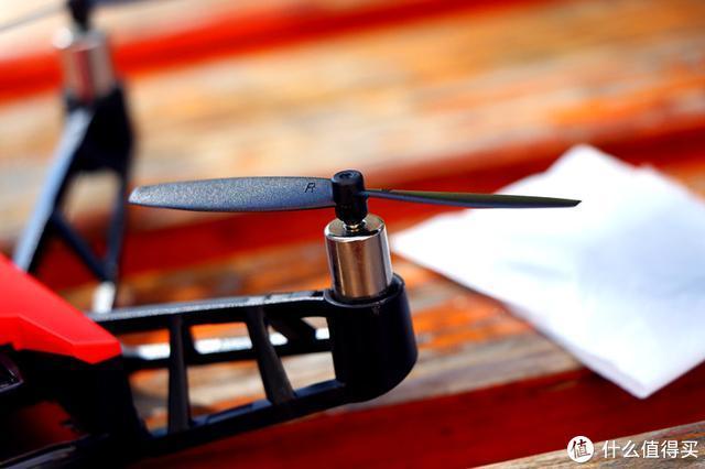 用意念操控的无人机,可玩性更高—UDrone意念无人机体验