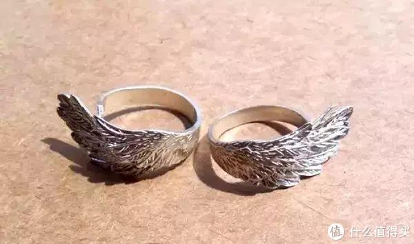 居然真的有人会花100万买银戒指,然后还黑黑黑黑黑了……