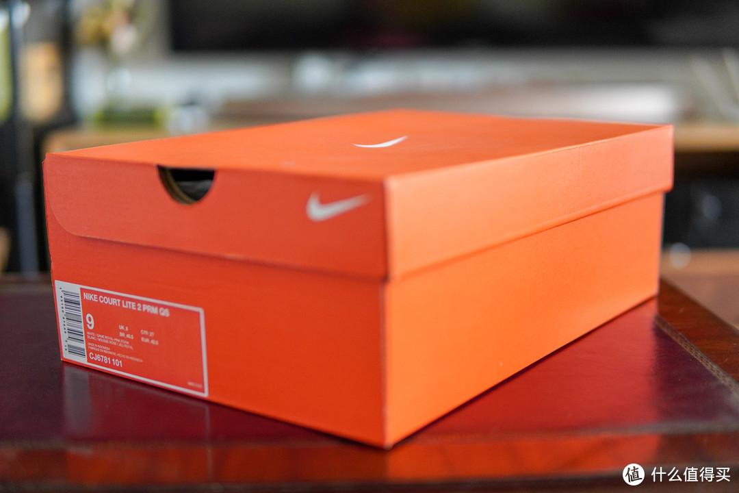 本以为这个骚气配色会有专属的鞋盒,没想到就是普通的橙色盒子