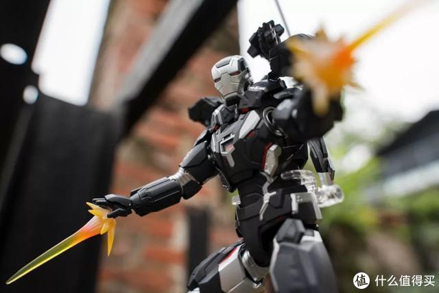 """拍玩具教学,如何用腾龙 28-75mm F2.8 """"翻拍""""『复仇者联盟』"""