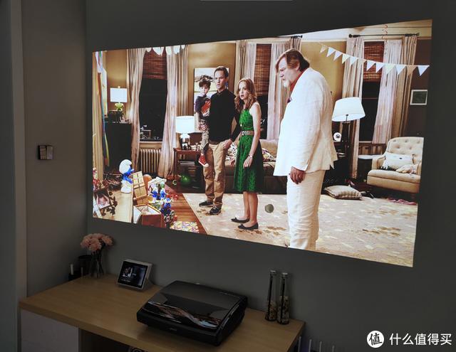 液晶电视时代正式宣告终结!坚果SU 4K激光电视实测效果惊人