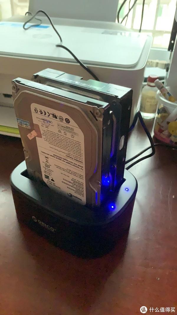 硬盘机,台式机硬盘可以接, 3.5寸SATA口小硬盘也可以接