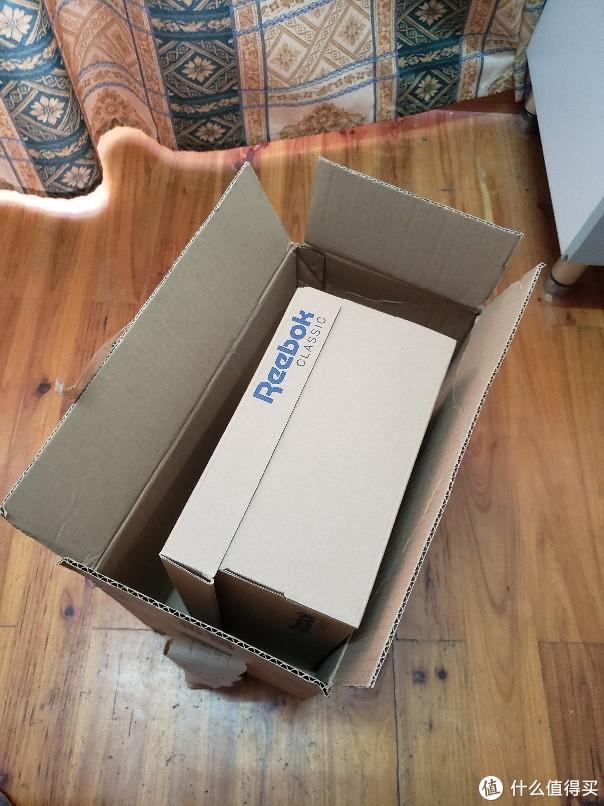 亚马逊淘来的锐步小白鞋开箱