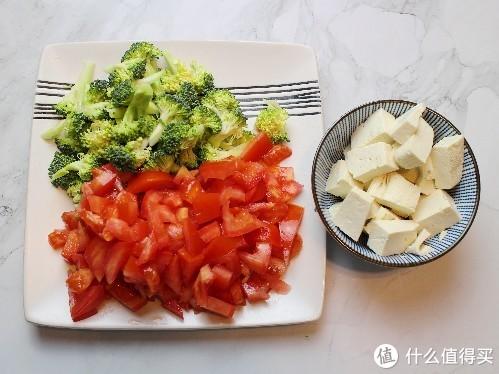天热多喝汤,四种食材煮一锅,有菜有汤,酸甜开胃,10分钟就出锅