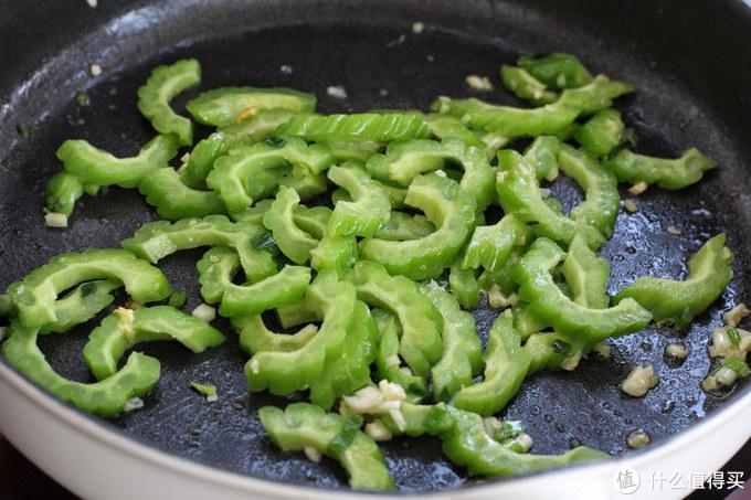 夏季经常食用这菜,富含维C对身体特别好,清热去火再苦也不嫌弃