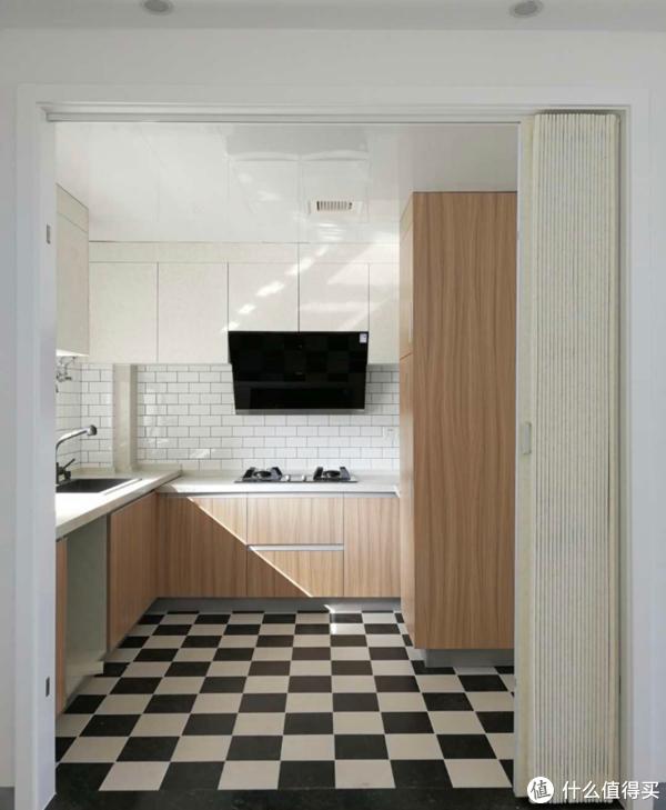 5种厨房设计,颜值堪比开放式,还能煎炒烹炸不跑烟!