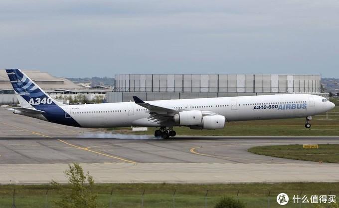 A340-600 空客历史上最长的飞机 75.3米的长度比A380还要长2米多