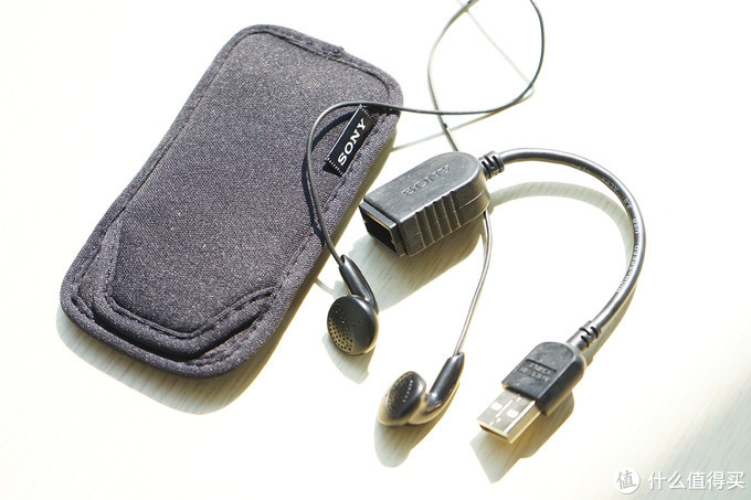 MP3、FM收音机、随时充电,刚买的SONY索尼UX534F录音笔