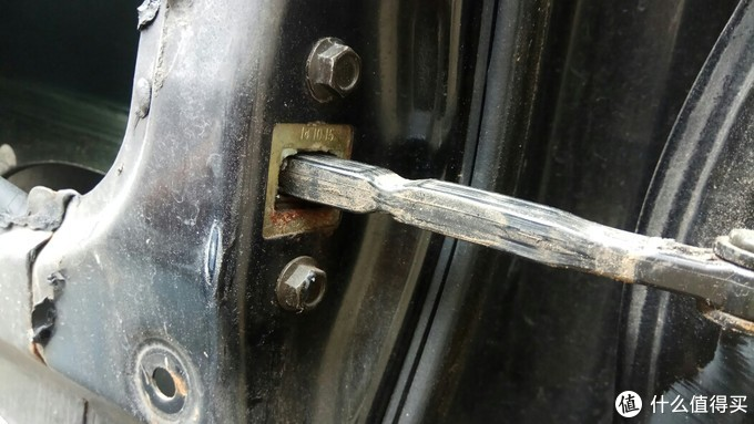 限位器门侧镙丝