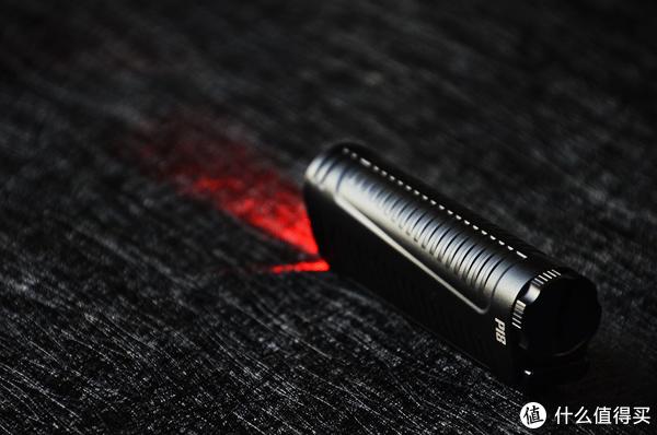 嘘…看清楚  隐蔽出击—NITECORE P18双光源静音战术手电
