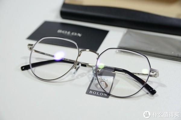 1+1<1,超值!王俊凯同款暴龙镜架+依视路A4 1.56镜片