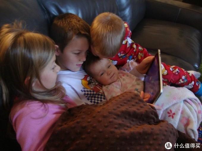 给孩子整个更好的观影环境 — 明基 i707家用投影仪 评测体验