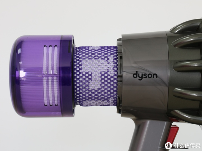 戴森V11智能无绳吸尘器:小屏幕的大有可为