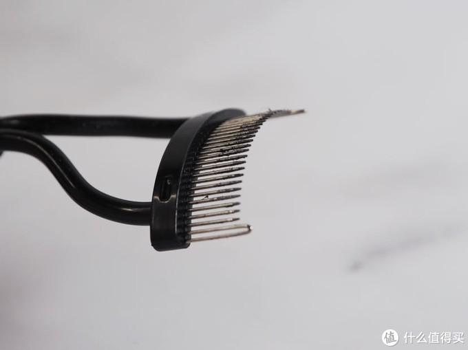 美妆种草:打造持久卷翘一整天的睫毛