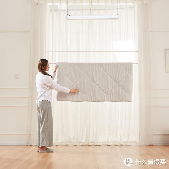 小米有品众筹599元的邦先生晾衣架,在家也可以晒被子