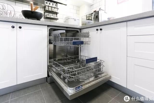 大蓓蓓家的西门子13套洗碗机 图源:住范儿自摄