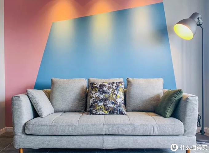 沙发背景墙,除了挂画还有哪些玩法?