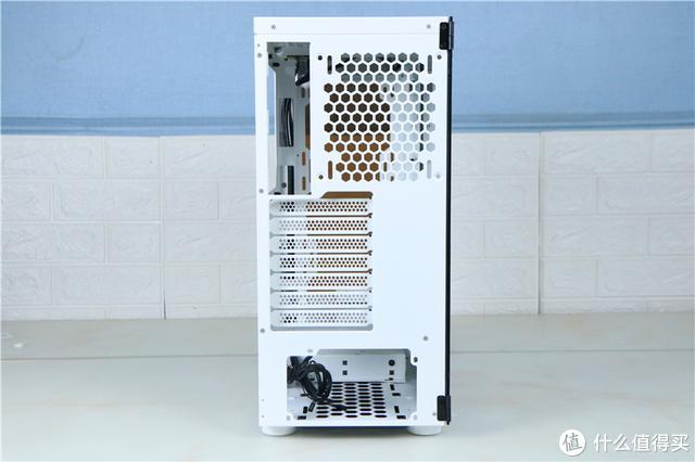 打造一款RGB主机,无需花费太多!Tt挑战者H3套装装机体验