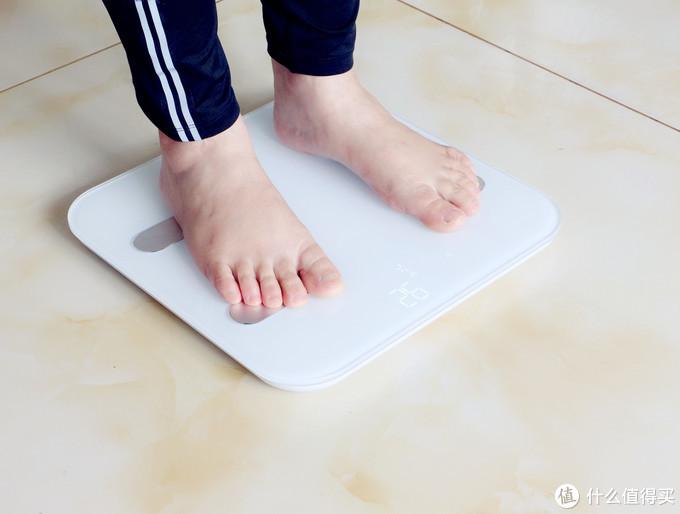 体脂秤还能测心率?简单测量、双模连接-云康宝体脂秤测评