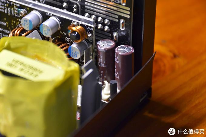 输出端滤波电路使用的是日化电容