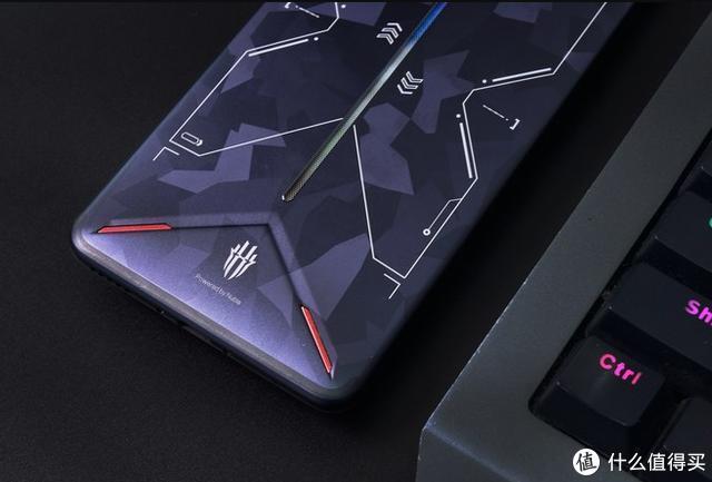 红魔3电竞手机评测:离心风扇加持,劲爽游戏体验