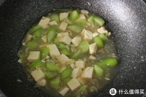 夏天多吃丝瓜好处多,营养美味,制作零难度,清爽下饭,消暑清热