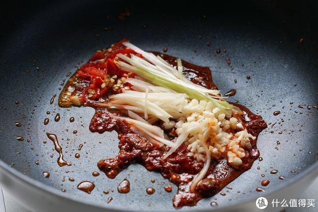 茭白最爱这种吃法,酸辣开胃,脆嫩鲜甜,妥妥的米饭杀手!
