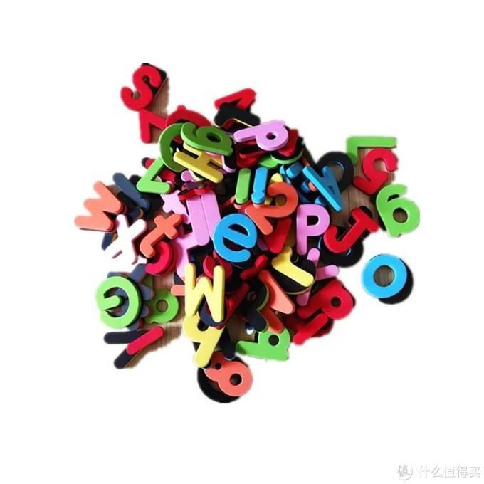 买了好几套,看积木字母的时候还给我拼呢,笑死了