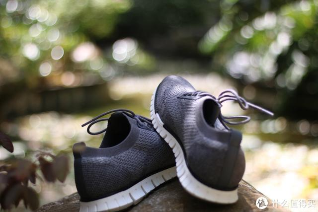 小米有品七面休闲鞋试穿评测 你需要的是会呼吸的鞋子