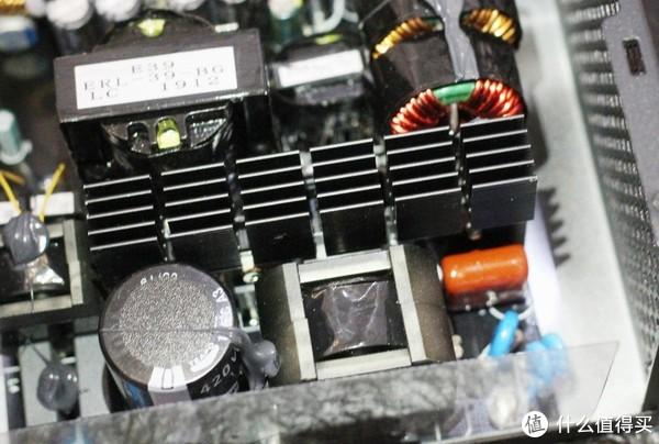 通过拆解告诉你:鑫谷新款GP700P白金电源与老款有何不同?