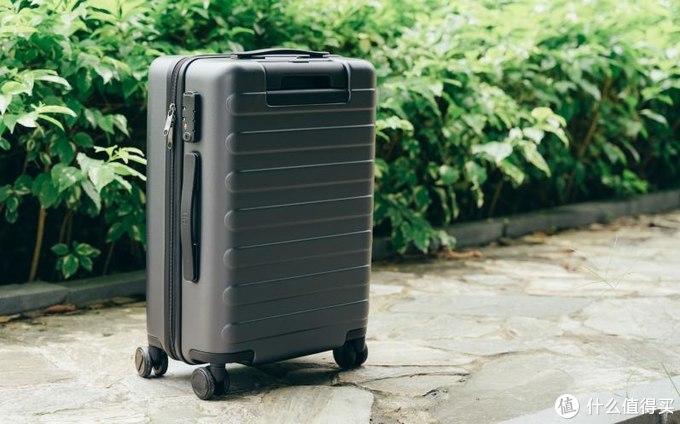 旅途得力伙伴,90分七道杠行李箱