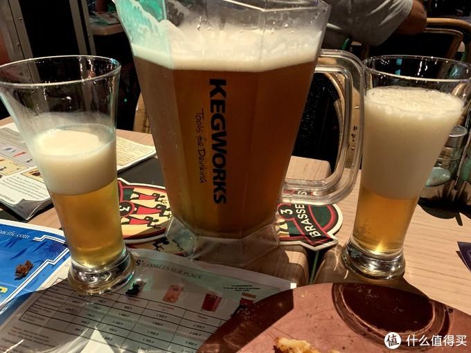 3B啤酒,要的是最后那个很多原料的,喝起来很醇香,有甜味,度数最高。