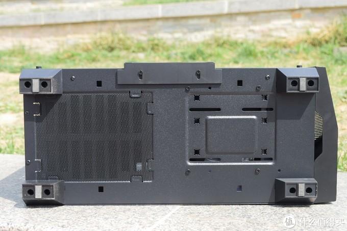 机箱终结篇-预留光驱位、自带RGB控制器、可安装360水冷的安钛克(Antec)龙焰机箱
