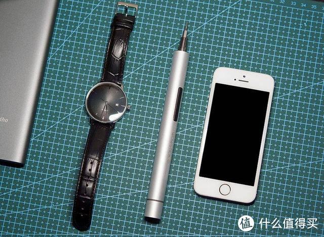 拆手机哪个工具更给力,双动力精密螺丝刀上手体验