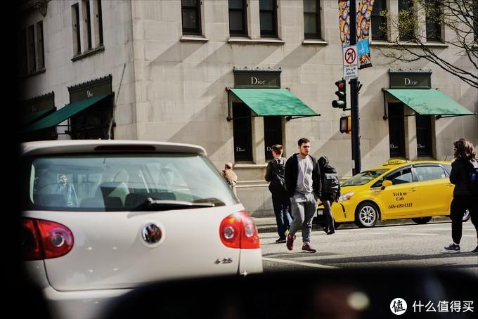 为什么我不爱索尼GM?蔡司Batis 85mm镜头带你探寻春季的温哥华