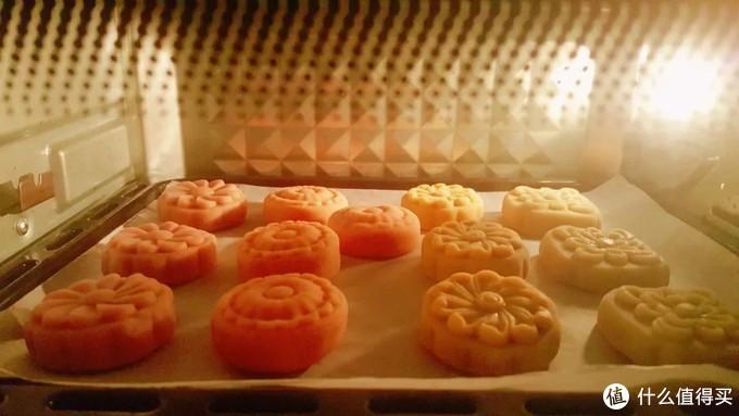 """四款巨好吃的月饼,每一种就像艺术品,堪称月饼界的""""颜值女王"""""""