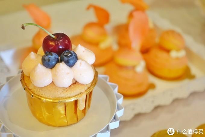今天的拿手菜是一整个婚礼甜品台ʱª (ᕑᗢᓫา∗)˒