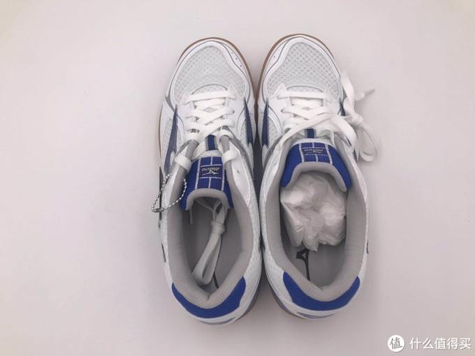 七年后买的美津浓,当乒乓球训练鞋足够称职了