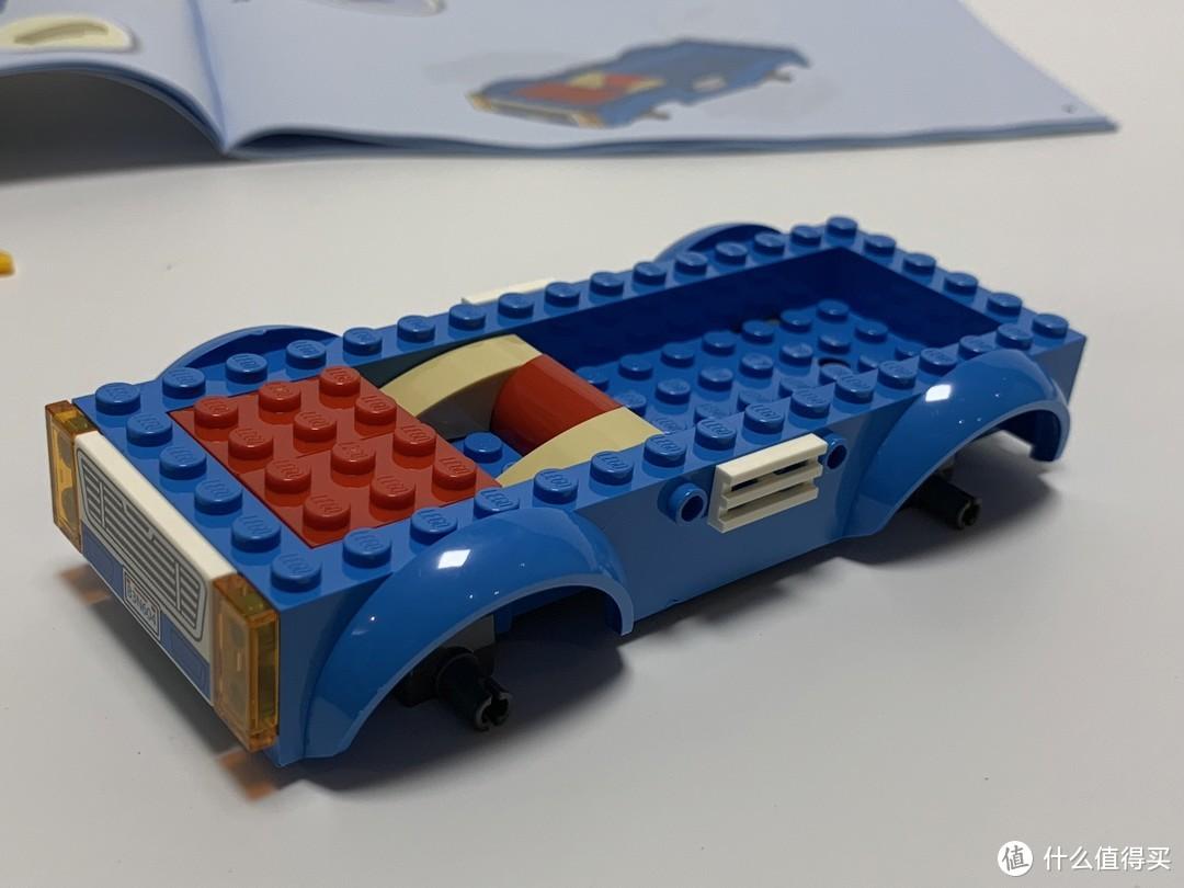 车由于有了底,搭起来也非常快