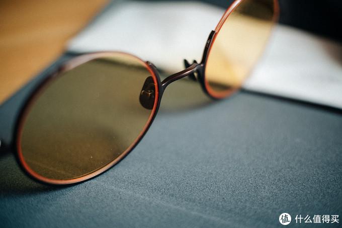 提升夏日出行回头率的利器:TAPOLE 四分之三圆形墨镜