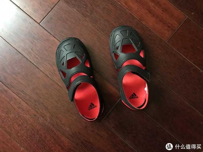 冬天买夏天的鞋价格最实惠!阿迪达斯FORTASWIM 2 C儿童凉鞋